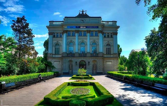 Университеты Варшавы
