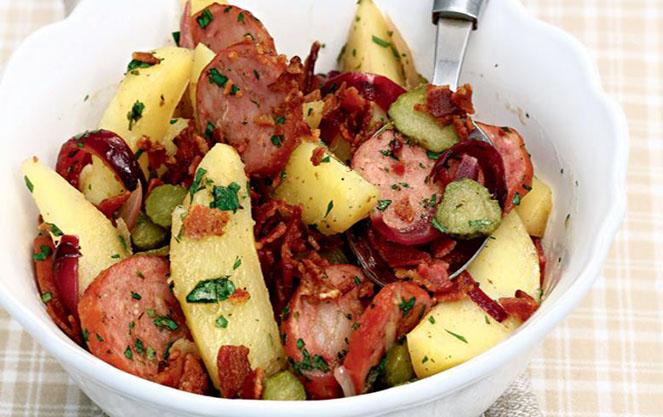 Салат с картофелем баварский