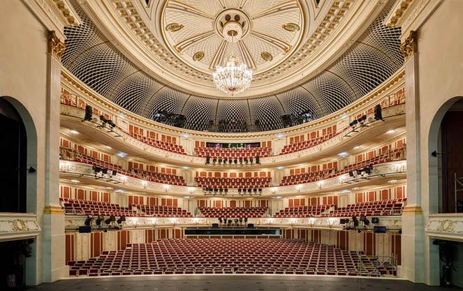 Зал берлинского государственного оперного театра