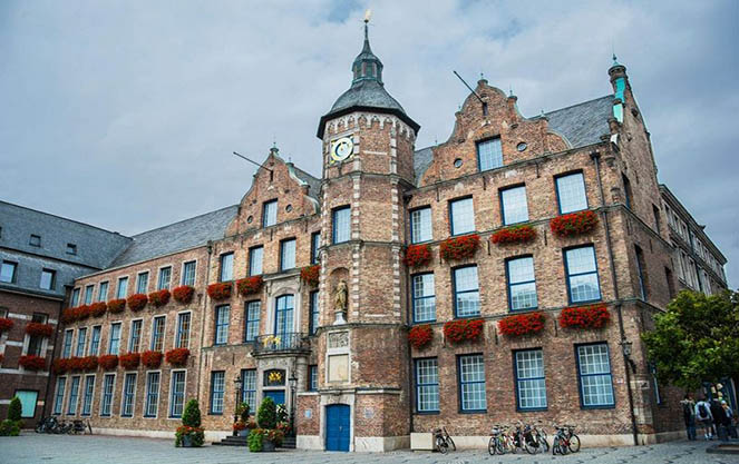 Архитектура дюссельдорфской ратуши