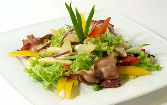 Берлинский салат с говядиной