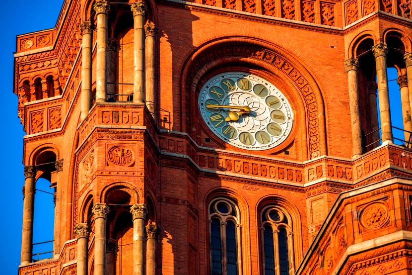 Часы Красной Ратуши