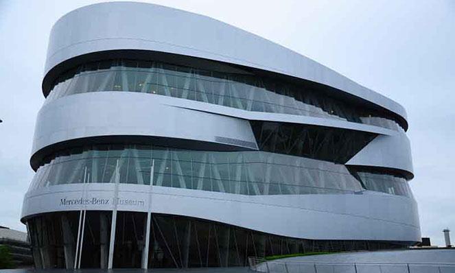 Музей Mercedes-Benz в Штутгарте