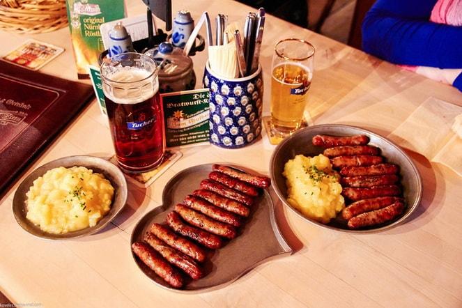 Нюрнбергские колбаски с картофельным пюре