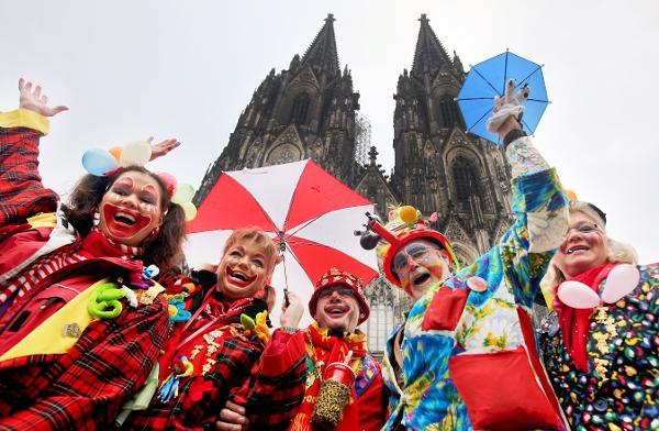 Яркий карнавал в Кельне