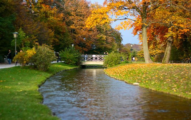 Река в английском саду