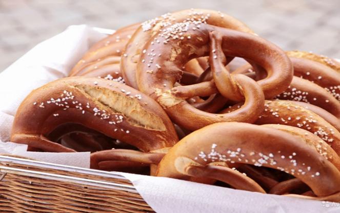 Как приготовить баварский брецель
