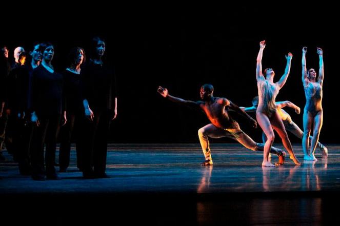 Балет на сцене оперного театра Дюссельдорфа