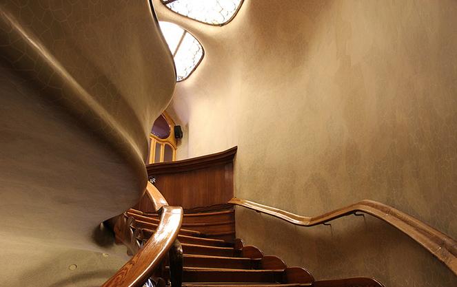 Лестница в доме костей