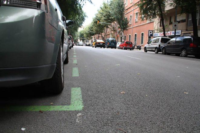 Зеленая линия парковки в Испании