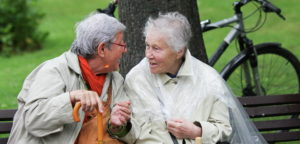 Польские пенсионерки на скамье