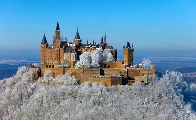 Замок Гогенцоллерн зимой
