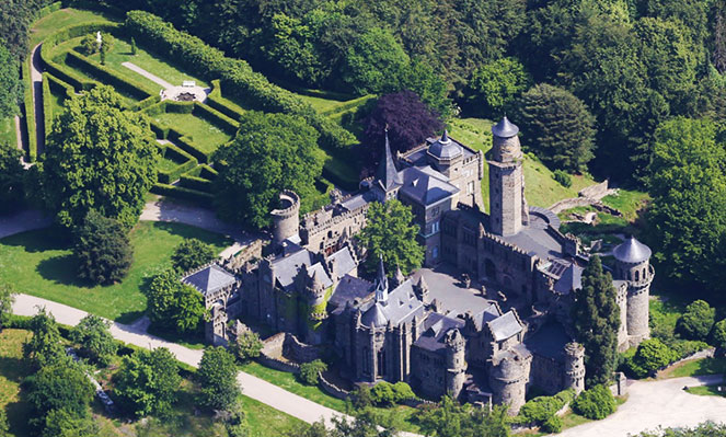 Замок Левенрбург с птичего полета