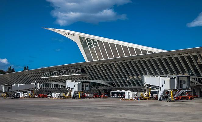 Аэропорт Бильбао в  2021  году