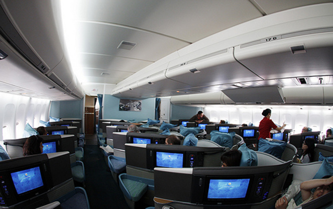 Как оборудован салон самолета