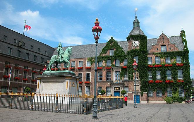 Исторический центр Альтштадт