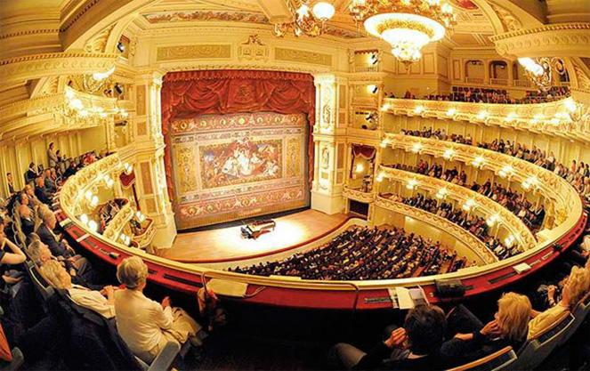 Интерьер дрезденского театра