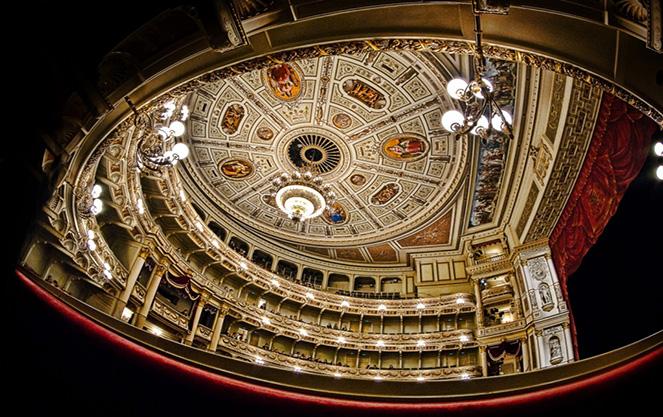 Внутри дрезденского театра