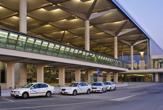 Такси в аэропорте