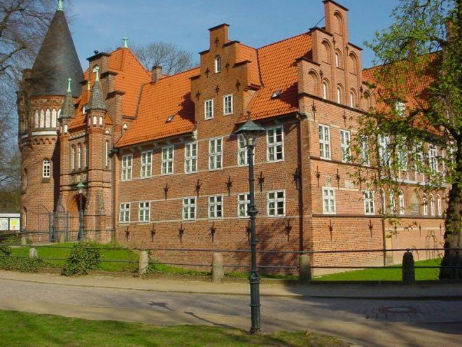 Замок Бергедорф