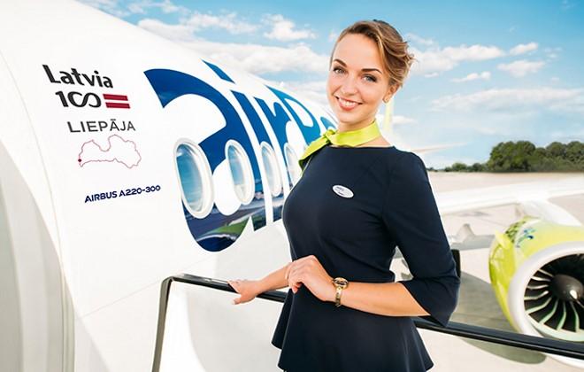 Стюардесса AirBaltic
