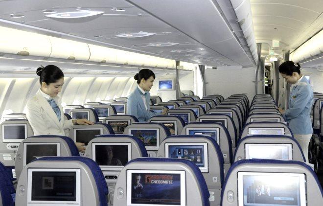 Сервис и обслуживание на борту авиалайнера