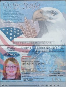 Американский паспорт в развернутом виде (фото)