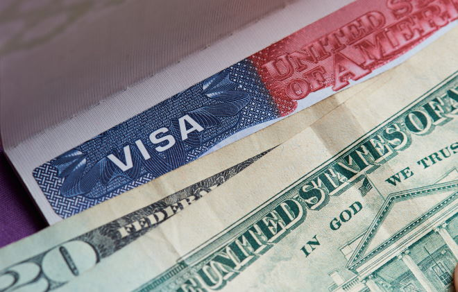 Как россиянину открыть визу для поездки в США