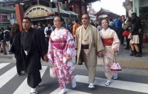 продолжительность жизни в Японии мужчин и женщин