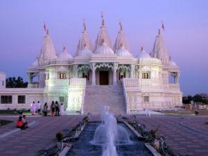 Храм Шри Сваминараян Мандир в Канаде
