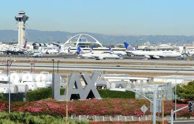 Аэропорт солнечного Лос-Анджелеса: памятка для туристов