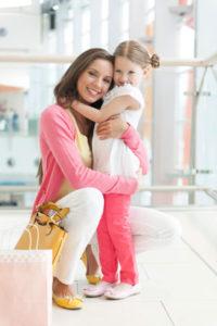 Помощь одиноким матерям