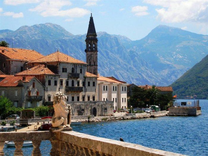Какие меры предпринимают для послабления карантинного режима в Черногории: когда возобновятся полеты