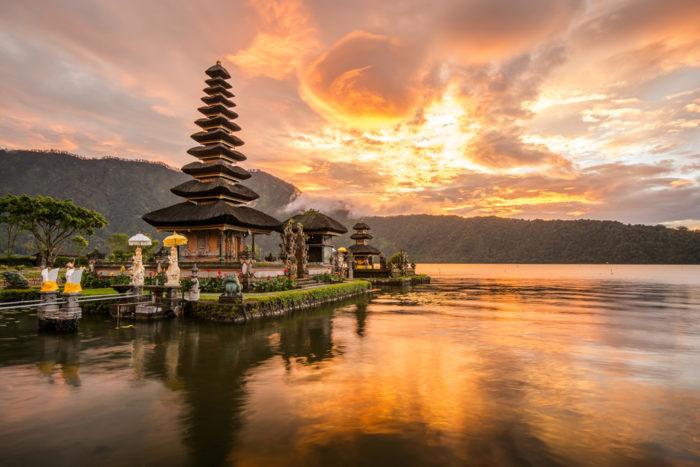 Индонезийские курорты планируют сроки приема отдыхающих