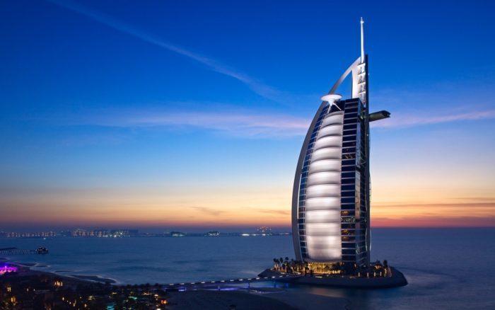 Власти Дубая планируют открыть страну для туристов в начале июля