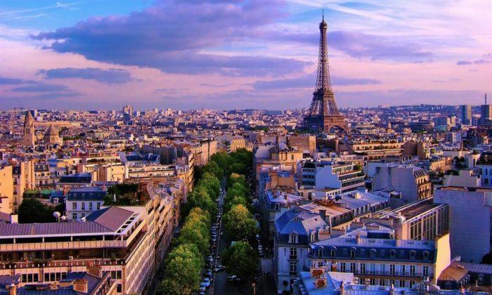 Франция планирует полностью открыть туристические объекты к 21 июня