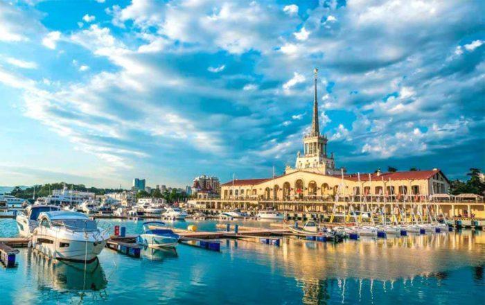 Правительство назвало условия открытия российских курортов