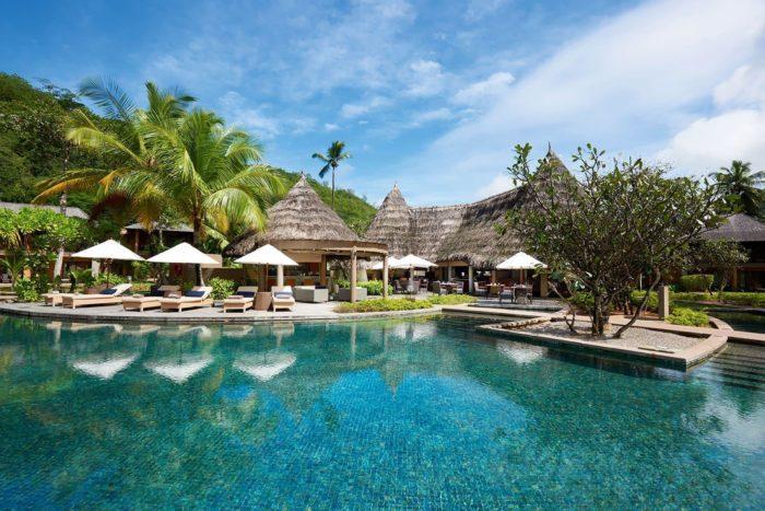 Власти Республики Сейшельские Острова запретили въезд туристических лайнеров из-за пандемии до  2021  года